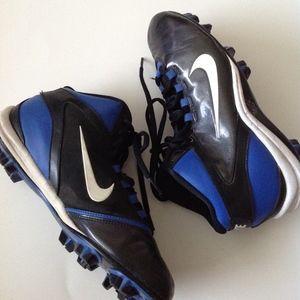 fc668670df8 ... Nike Alpha Shark Youth Football Cleats   Size 6Y ...